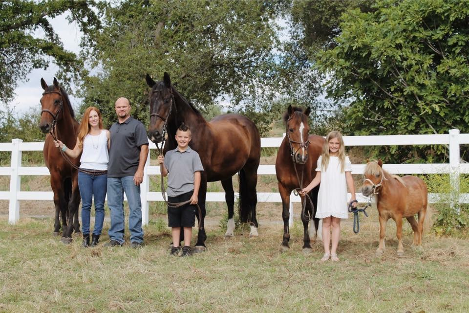 The Milo Family- Mike, Sami, Mason and Gianna.  Horses- Lulavani, Calibro, Kelly Acres Anastasia and Hugs pc: Jessica Behar